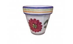 Maceta decorada de cerámica.