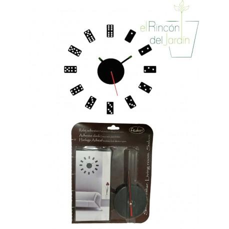 Reloj adhesivo para pared.