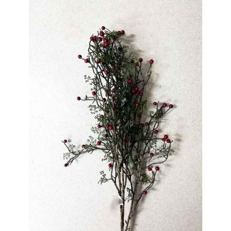 Rama con frutos rojos, flor artificial.